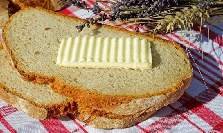 El «discutidor» y la rebanada de pan con mantequilla