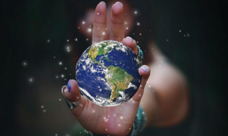 Besa la Tierra